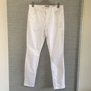 Tommy Hilfiger Mid Rise White Skinny Jeans Size 6